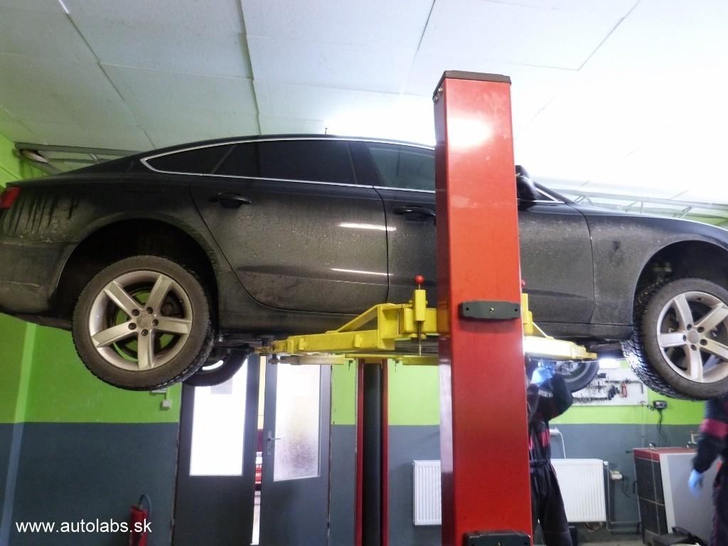 Audi A5 2009 výmena oleja a filtra v automatickej prevodovke