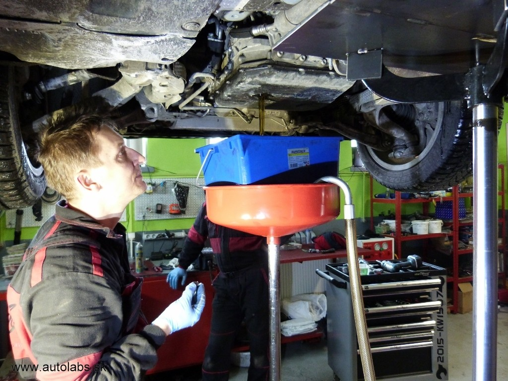 Audi A5 2009 vypúšťanie oleja z automatickej prevodovky