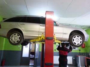 Mercedes Benz C270 výmena oleja a filtra v automatickej prevodovke