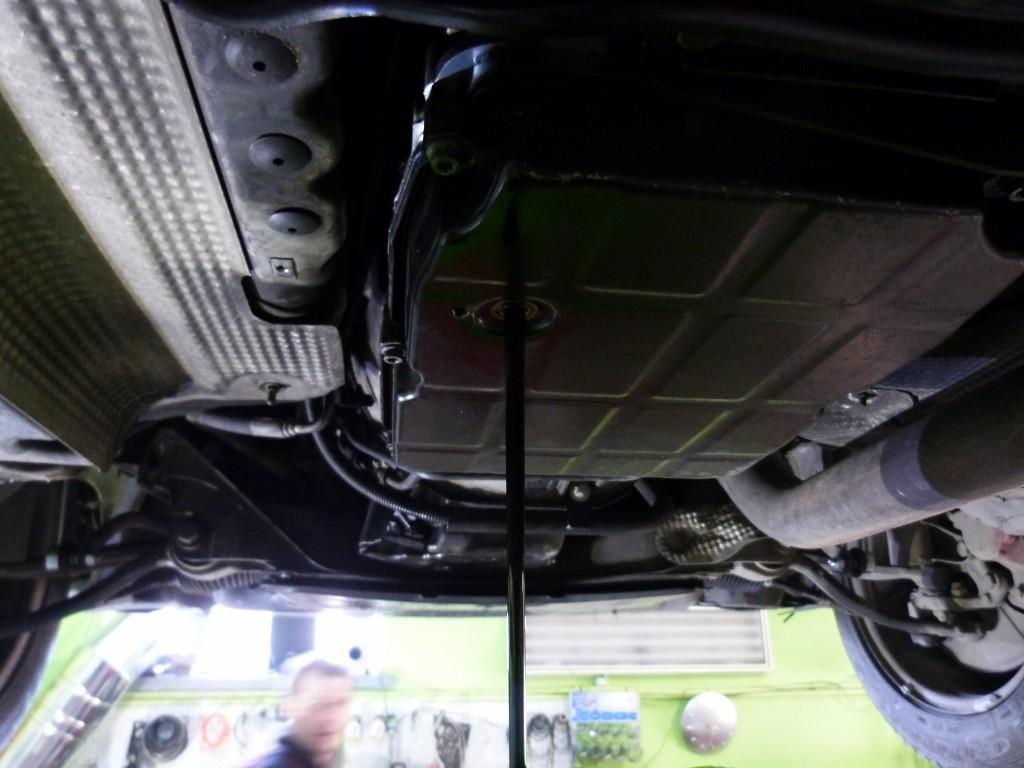 Mercedes Benz C270 výmena oleja v automatickej prevodovke
