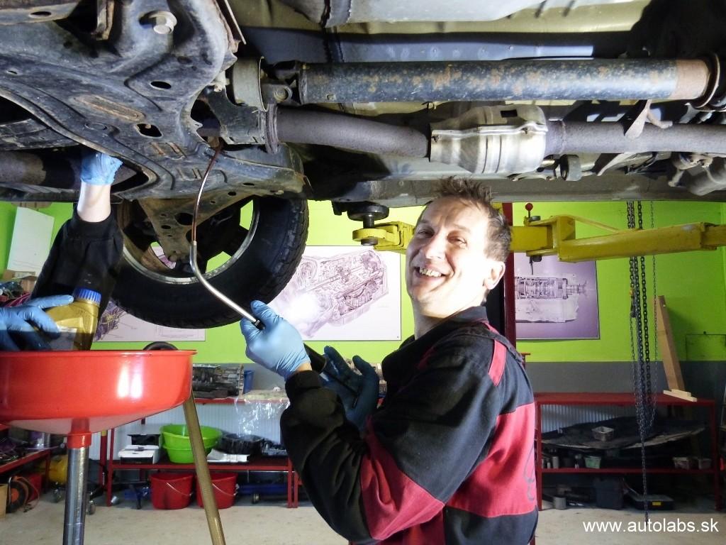 Toyota Rav4 2004 výmena oleja v automatickej prevodovke, rozvodovke a zadnom diferenciáli