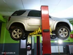 Toyota Rav4 2004 výmena prevodového oleja, oleja v rozvodovke a zadnom diferáku